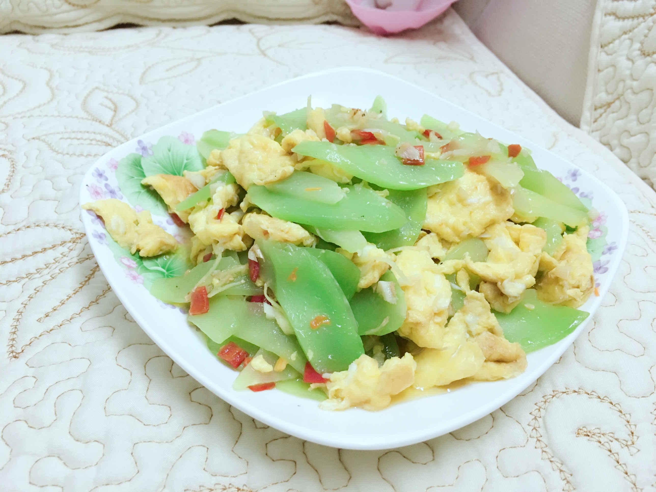《初生土鸡蛋炒莴笋》